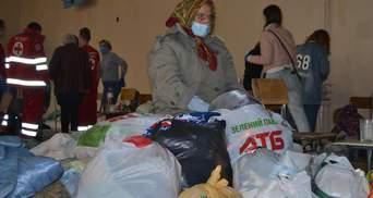 Шок на обличчях і сон на підлозі: де живуть люди, які постраждали від пожеж на Луганщині – фото
