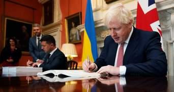 """Об """"отмене безвиза"""": чем завершились визиты Зеленского в Брюссель и Лондон?"""