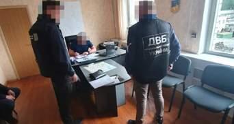 Миколаївських копів підозрюють у катуванні затриманого у відділенні поліції: фото