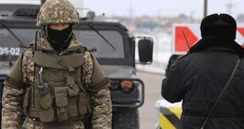 НС у Киргизстані: до столиці Бішкека продовжують стягувати техніку, на вулицях – багато солдатів