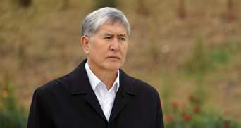 Силовики вдерлися до будинку експрезидента Киргизстану Атамбаєва: його вже затримали