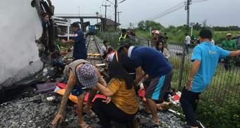 У Таїланді автобус зіткнувся з потягом: 20 людей загинули, багато постраждалих – фото