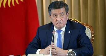 Президент Кыргызстана Жээнбеков ведет переговоры о собственной отставке