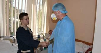 Єдиний вцілілий в авіакатастрофі Ан-26 курсант отримав медаль та поділився планами