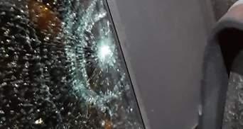 У Запоріжжі стріляли в автівку кандидата в депутати: фото