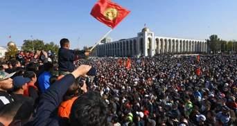 Парламент Кыргызстана отменил режим чрезвычайного положения в Бишкеке
