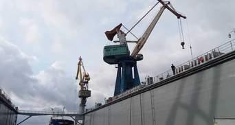 Херсонський завод побудує плавучий причал для ВМС України: вартість контракту