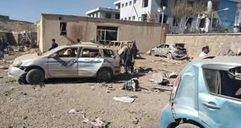 Теракт в Афганистане: взорвали авто со взрывчаткой, много жертв – фото, видео