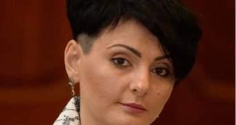 Із криками адвокатка вибігла зі зали: суд у справі Мартиненка знову зірвали