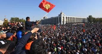 На тлі масових протестів у Киргизстані ЦВК призначила повторні парламентські вибори: дата