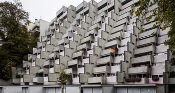"""Лепестки из бетона и фасад лестницы: 5 самых красивых """"брутальных"""" зданий Европы – фото"""