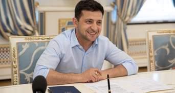 Зеленский сможет провести всеукраинский опрос во время выборов: решение суда
