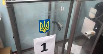 Дільниця в лікарні: як голосують хворі на COVID-19 в Краматорську – фото, відео
