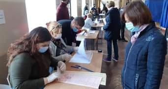В Черкассах избирателей опрашивали прямо на избирательном участке, – КИУ