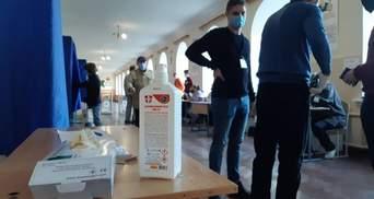 Підробка бюлетенів та незаконна агітація: як голосують на Донеччині