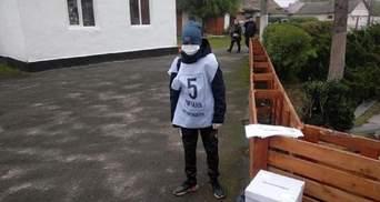 Неповнолітні волонтери на опитуванні Зеленського: Денісова пояснила, чи можна було їх залучати