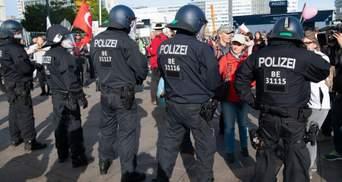 В Берлине снова вспыхнули протесты из-за карантина: фото