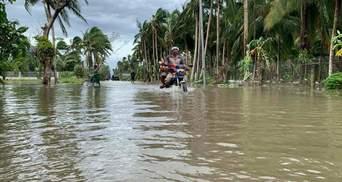 На Вьетнам надвигается смертоносный тайфун Молаве: более миллиона человек эвакуировали