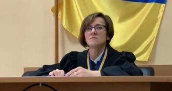 Появились интересные детали о судье, что отпустила подозреваемого в кагарлыкском изнасиловании