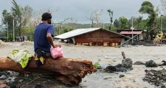 На Филиппинах сокрушительный тайфун Гони сносил все на своем пути: видео