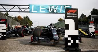 Mercedes в седьмой раз выиграл Кубок конструкторов в Формуле-1