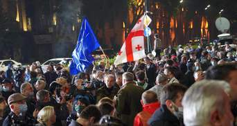 Протести в Грузії набирають оберти: опозиція поставила намети під парламентом