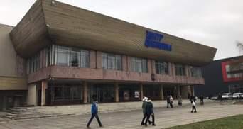 Як виглядатиме оновлена площа перед центром Довженка у Львові: деталі