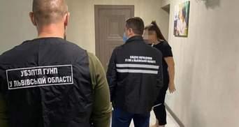 Поліція затримала сутенера, який організував борделі у Львові та Дніпрі: фото