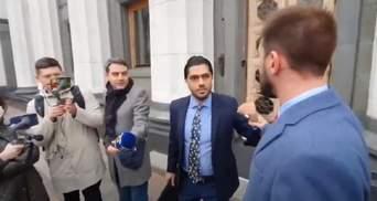 """Колишні """"слуги"""" Лерос і Юрченко побилися в кулуарах Ради: відео"""