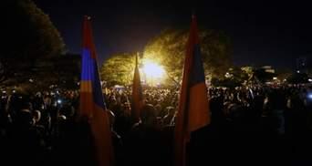 Як виглядає парламент Вірменії після захоплення протестувальниками: відео