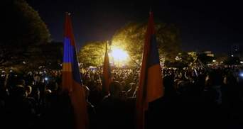 Как выглядит парламент Армении после захвата протестующими: видео