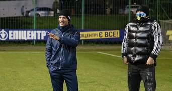 Если есть проблемы - обращайтесь: как Шевченко представил Усика игрокам сборной Украины
