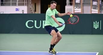 Украинский теннисист Стаховский одержал вторую подряд победу, одолев россиянина
