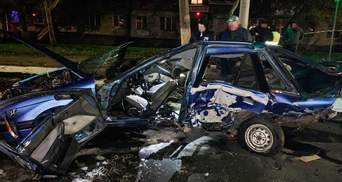 "В Николаеве BMW разорвала Mitsubishi: за рулем мог быть депутат-мажор из ""Оппоблока"""
