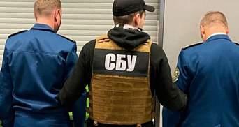 """В аеропорту """"Бориспіль"""" затримали митників: заробляли на хабарях"""