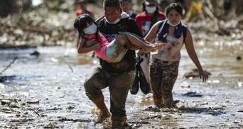 На Филиппинах прошел мощный тайфун Вамко: десятки жертв – фото, видео