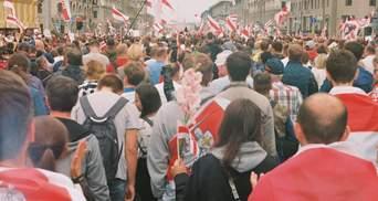 Свавілля силовиків не припиняється: у Білорусі затримали понад 900 протестувальників