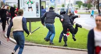 Били по голове и тянули по земле: жесткое задержание в Минске попало на видео