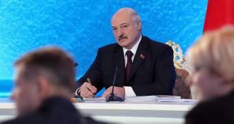 Конституцію ламати не треба: Лукашенко готовий відмовитися від частини своїх повноважень
