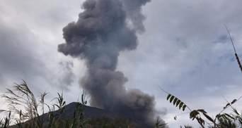На итальянском острове Стромболи проснулся вулкан: фото, видео