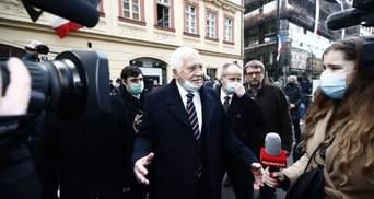 Правила однакові для всіх: за що склали адмінпротокол на експрезидента Чехії