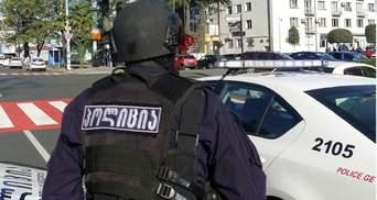 Озброєний гранатою: у Грузії чоловік захопив у заручники людей – деталі