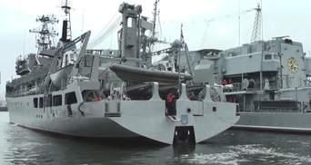 """Техника войны: Судно """"Балта"""" вышло в море после ремонта. Воздушный бой США с истребителями"""