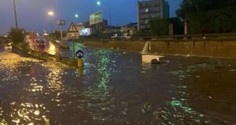 Высокая вода на юге Италии: затопленные дороги и проблемы с транспортом – фото и видео