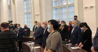 Скандальная первая сессия городского совета во Львове: что произошло – видео