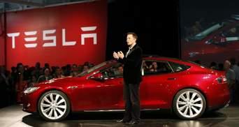 Вартість Tesla близька до 500 млрд доларів, а Ілон Маск наздоганяє Безоса у списку мільярдерів