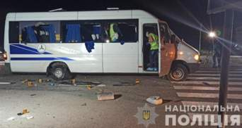 Суд випустив з-під варти всіх підозрюваних у нападі на автобус із членами організації Киви
