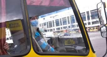 В Запорожье люди жестко выбросили мужчину из маршрутки из-за нарушения карантина: видео