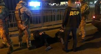 """В Киеве правоохранители """"похитили"""" рома: инсценировали преступление, чтобы задержать заказчиков"""