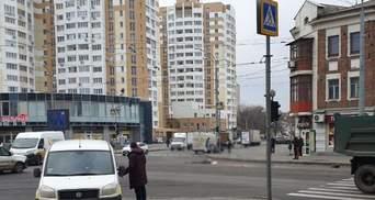 В Харькове автовоз раздавил женщину на пешеходном переходе и тянул несколько метров: видео 18+